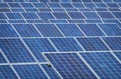 Sonnenkollektor - foto-voltaisch Lizenzfreies Stockbild