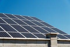 Sonnenkollektor, photo-voltaische, alternative Stromquelle stockbilder