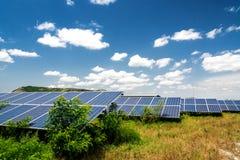 Sonnenkollektor, photo-voltaische, alternative Stromquelle stockfotografie