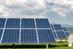 Sonnenkollektor, photo-voltaische, alternative Stromquelle lizenzfreies stockbild