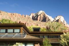 Sonnenkollektoren auf Dach 1 Lizenzfreies Stockbild