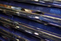 Sonnenkollektoren in einem Gefäß stockbilder