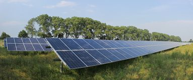 Sonnenkollektoren im Süden von Spanien Stockbild