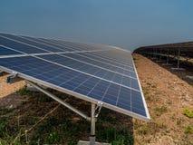 Sonnenkollektoren im Süden von Spanien Lizenzfreie Stockbilder