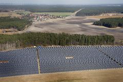 Sonnenkollektorfeld Stockbild