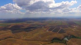 Sonnenkraftwerke unter multi gefärbt stock footage