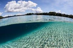 Sonnenlicht, Sand und Inseln Stockbilder