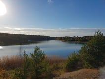 Sonnenschein durch den See stockfoto