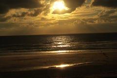 Sonnenscheinstrand biscarosse lizenzfreie stockbilder