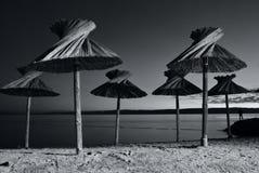Sonnenschirm auf Strand Lizenzfreies Stockbild