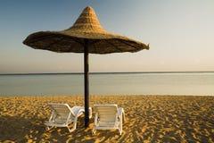 Sonnenschirm für ein Paar Lizenzfreie Stockfotografie