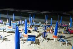 Sonnenschirme in Italien stockfoto
