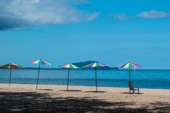Sonnenschutz auf dem Strand lizenzfreies stockfoto