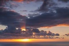Sonnenstrahl-Wolken Lizenzfreies Stockbild