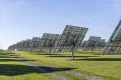 Sonnensystem, Überblick Solarkraftwerk mit aufspürbaren Elementen stockbilder