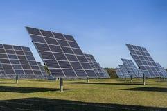 Sonnensystem, Überblick Solarkraftwerk mit aufspürbaren Elementen lizenzfreies stockfoto