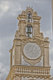 Sonnenuhr auf dem Glockenturm Lizenzfreies Stockfoto