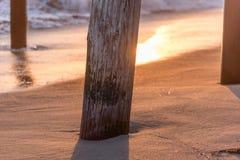 Sonnenuntergänge auf dem Pier Lizenzfreies Stockfoto