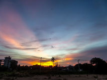 Sonnenuntergänge an der Müllgrube stockfotos