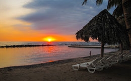 Sonnenuntergänge in El Salvador stockbild