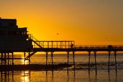 Sonnenuntergang über Aberystwyth-Pier stockfoto
