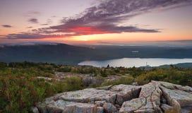 Sonnenuntergang über Acadia Stockbild