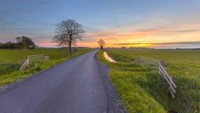 Sonnenuntergang über Ackerland Groningen-Provinz Lizenzfreies Stockbild