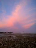 Sonnenuntergang über Andaman-Meer, in Thailand Stockfotografie