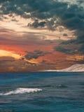 Sonnenuntergang über dem Meer. Stockfotos