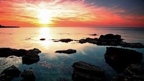 Sonnenuntergang über dem Meer stock video footage