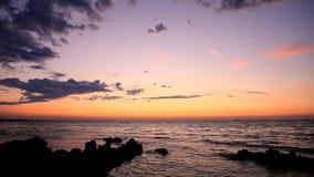 Sonnenuntergang über dem Meer stock video