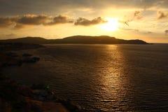 Sonnenuntergang über dem Meer Lizenzfreie Stockfotos