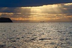 Sonnenuntergang über dem Meer Lizenzfreies Stockbild