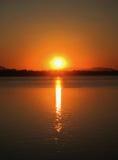 Sonnenuntergang über dem Mekong Lizenzfreies Stockbild