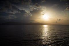 Sonnenuntergang über dem Ozean Lizenzfreies Stockbild