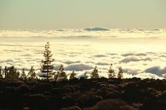 Sonnenuntergang über den cloouds in Teneriffa Lizenzfreie Stockfotos