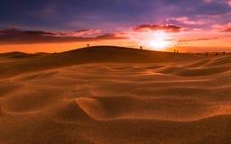 Sonnenuntergang über den Dünen von Maspalomas Insel von Gran Canaria lizenzfreie stockfotos
