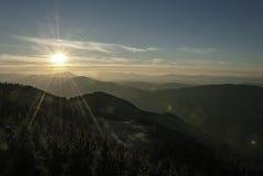 Sonnenuntergang über den Hügeln Stockfotos