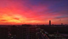 Sonnenuntergang über den Houston-Skylinen Stockbilder