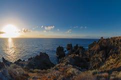 Sonnenuntergang über der Atlantikküste von Teneriffa, Icod de los Vinos Lizenzfreie Stockbilder