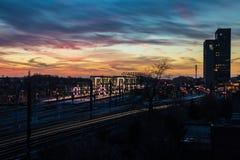 Sonnenuntergang über der Hauptbahnstation in Gent, Belgien lizenzfreies stockbild