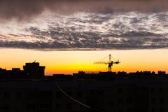 Sonnenuntergang über der Stadt Lizenzfreie Stockfotos