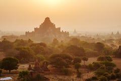 Sonnenuntergang über Dhammayangyi-Tempel in Bagan, Myanmar Lizenzfreie Stockfotografie