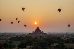 Sonnenuntergang über Dhammayangyi-Tempel in Bagan, Myanmar Lizenzfreies Stockbild