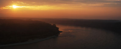 Sonnenuntergang über Donau Stockfotografie