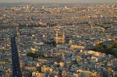 Sonnenuntergang über einem Paris lizenzfreie stockbilder