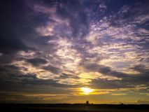 Sonnenuntergang über Flughafen Lizenzfreie Stockfotos