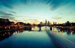 Sonnenuntergang über Frankfurt-Skylinen Stockfoto