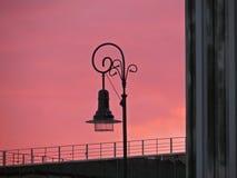 Sonnenuntergang über historischem Gebäude des polnischen Obersten Gerichts, Warschau, Polen, im Juli 2018 lizenzfreie stockbilder