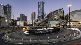 Sonnenuntergang über im Stadtzentrum gelegenem Warschau stock footage
